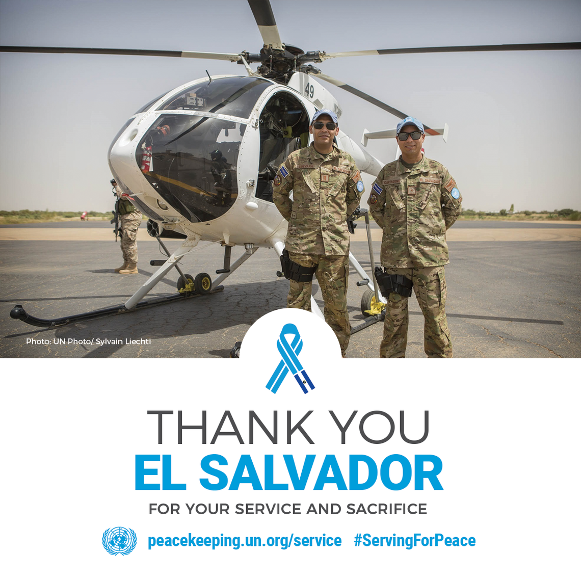 Helicopter pilots from El Salvador serving in Mali