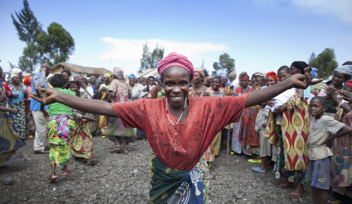 Местные жители на празднике, ДРК.